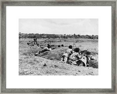 Ethiopians Firing At Italians Framed Print by Underwood Archives