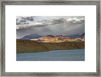 Framed Print featuring the photograph Evening Light 1, Chiu, 2011 by Hitendra SINKAR