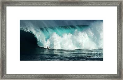 Extreme Surfing Hawaii 11 Framed Print by Bob Christopher