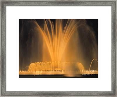 F 32 Fuente Monumental - Barcelona  Framed Print by Norberto Torriente