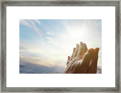 Faith Framed Print by Les Cunliffe