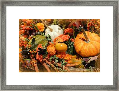 Fall Centerpiece Framed Print by Linda Covino