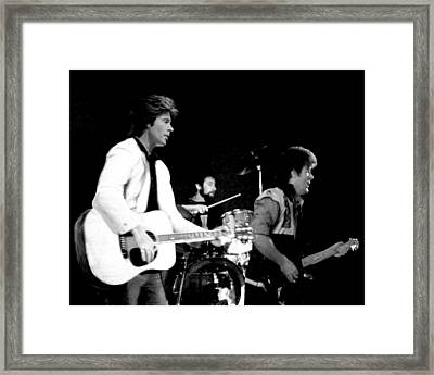 Farewell Concert  Framed Print by Ron Chambers