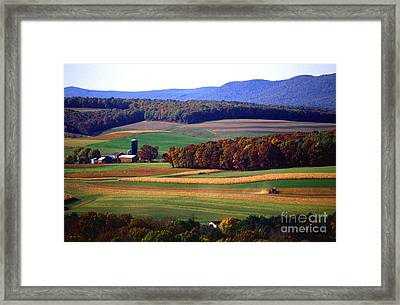 Farm Near Klingerstown Framed Print by USDA and Photo Researchers