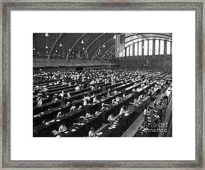 Fbis Identification Division, 1943 Framed Print by Science Source