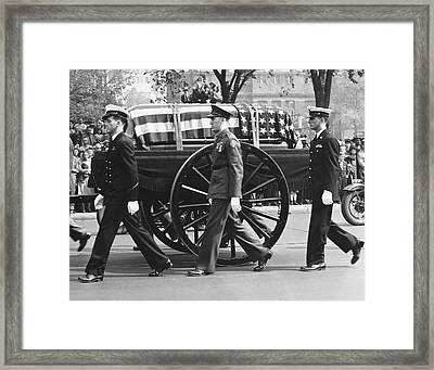Fdr Funeral Proccesion Framed Print by Underwood Archives