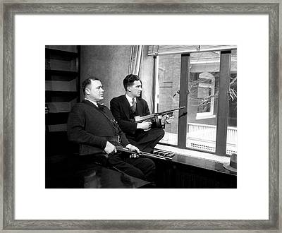 Feds Guard Dillinger In Crown Point Indiana 1934 Framed Print