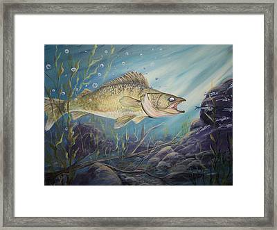 Feeding Time Framed Print by Wendy Smith