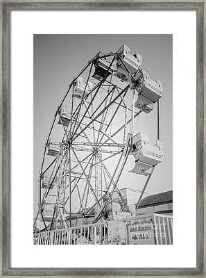 Ferris Wheel In Newport Beach California Framed Print by Paul Velgos