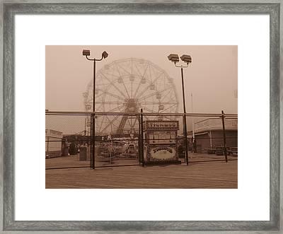 Ferris Wheel Framed Print by Peter Aiello