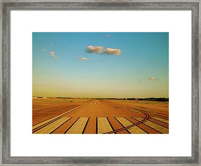 Framed Print featuring the photograph Final Approach by Iconic Images Art Gallery David Pucciarelli
