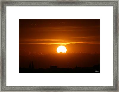 Final Moments Framed Print by Andrea Lawrence