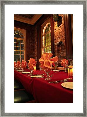 Fine Dinning Framed Print by Larry Underwood