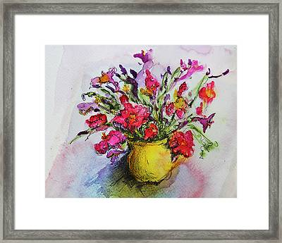 Framed Print featuring the painting Floral Still Life 05 by Linde Townsend