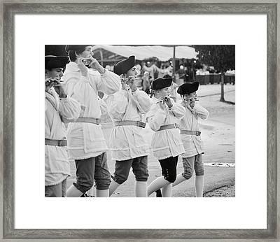 Fife Players Framed Print by Rachel Morrison