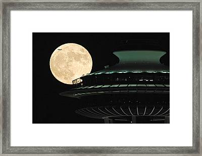 Fly Me To The Moon A331 Framed Print by Yoshiki Nakamura