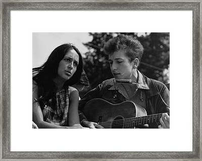 Folk Singers Joan Baez And Bob Dylan Framed Print by Everett