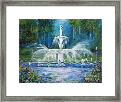 Forsyth Fountain In Savannah Framed Print