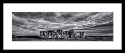 Stonehenge Framed Prints