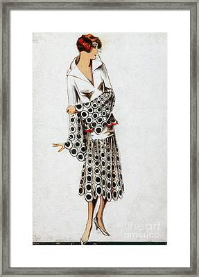 French Fashion, 1925 Framed Print by Science Source