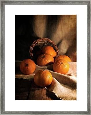 Framed Print featuring the photograph Fresh Tangerines In Brown Basket by Jaroslaw Blaminsky