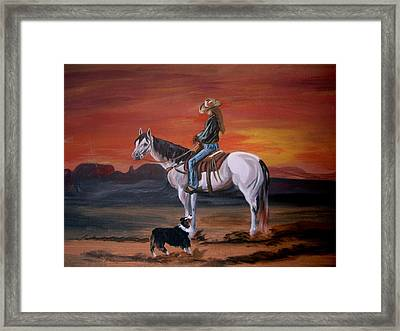 Friends Sharing A Sunset Framed Print by Glenda Smith