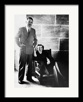 1940s Candid Framed Prints