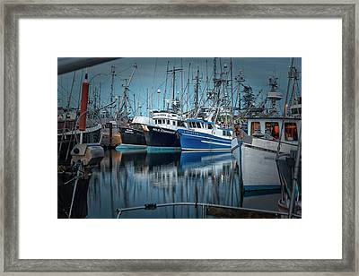 Framed Print featuring the photograph Full House by Randy Hall