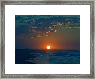 Framed Print featuring the photograph Full Sun Up by  Newwwman