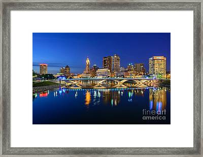 Fx2l531 Columbus Ohio Skyline Photo Framed Print