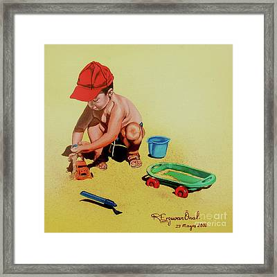Game At The Beach - Juego En La Playa Framed Print