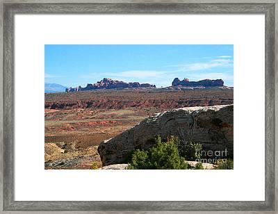 Garden Of Eden Rock Formations, Arches National Park, Moab Utah Framed Print