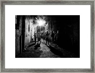 Gathering In A Wilmington Alley In Black And White Framed Print