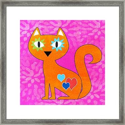 Gato Framed Print by Linda Woods