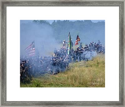 Gettysburg Union Infantry 8947c Framed Print
