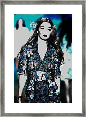 Gigi Hadid 1e Framed Print