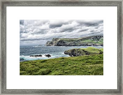 Framed Print featuring the photograph Glencolmcille by Alan Toepfer