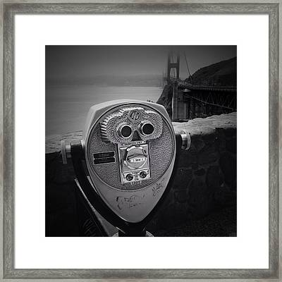 Golden Gate Viewer Framed Print by Les Cunliffe