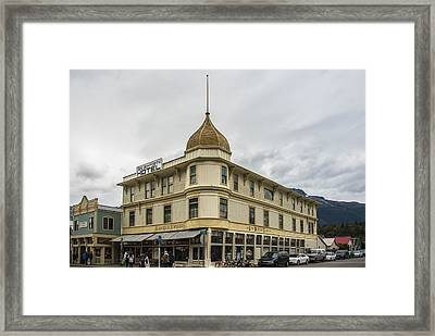 Golden North Hotel Framed Print by Robin Williams
