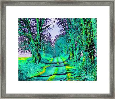 Gottin Framed Print by Loko Suederdiek