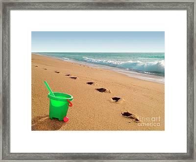 Green Bucket  Framed Print by Carlos Caetano