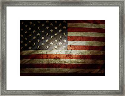 Grunge Usa Flag Framed Print by Les Cunliffe