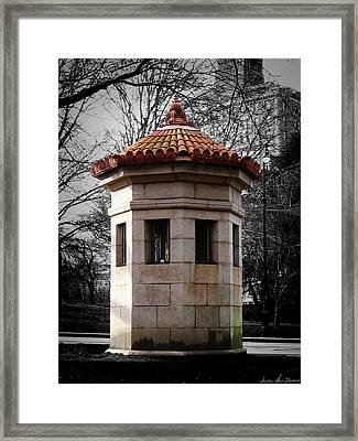 Guardhouse In Prospect Park Brooklyn Ny Framed Print