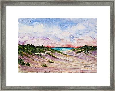 Gulls And Dunes Framed Print by Suzanne Krueger