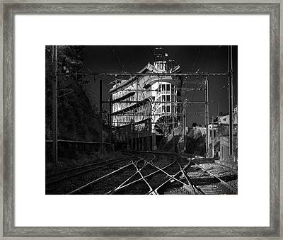 H0tel Du Belvedere Et Du Rayon Vert Framed Print by Frank Breslin
