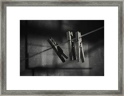 Hangin On Framed Print by Scott Norris