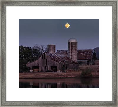 Harlinsdale Moon Framed Print by Davin McLaird