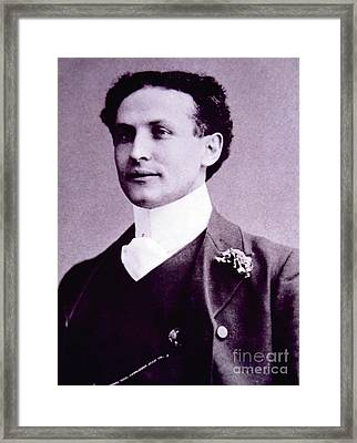 Harry Houdini  Hungarian American Magician, Escapologist And Stunt Performer Framed Print