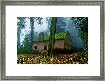 Framed Print featuring the photograph Haunted House by Jorge Maia