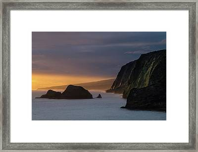 Hawaii Sunrise At The Pololu Valley Lookout Framed Print by Larry Marshall